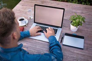 """המדריך המקוון להורים: הכירו את אתר """"איך גדלת"""""""